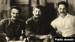 Soviet leaders Joseph Stalin (C), Anastas Mikoyan (L) and Sergo Orjonikidze pose for a photograph in Tbilisi in 1925.