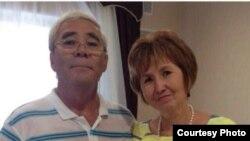 Гуспан Махамбет-Алиев, житель Астраханской области, со своей супругой Нуржиган.