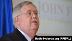 John Tefft a former ambassador to Ukraine, will now be ambassador to Russia.