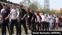 Представители разных клубов на турнире в Оше.