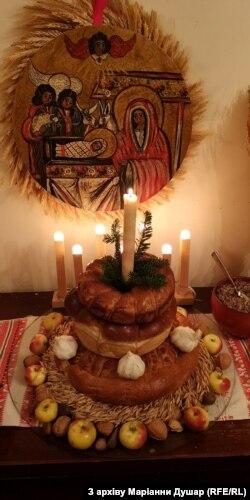 Різдвяний колач у три ряди