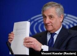 Președintele Parlamentului European a anunțat, în ajunul negocierilor de mâine pentru procurorul-șef european, că o susține pe Laura Codruța Kovesi