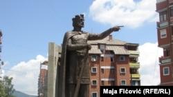 Përmendorja e Princ Llazarit në Mitrovicën e veriut