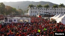У черзі на прощання з Чавесом, Каракас, 8 березня 2013 року