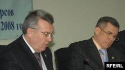 Татарстанның экология министры Әгъләм Садретдинов һәм хөкүмәт башлыгы Рөстәм Миңнеханов