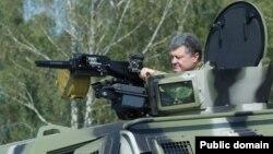 Petro Poroshenko «BTR» üzərində