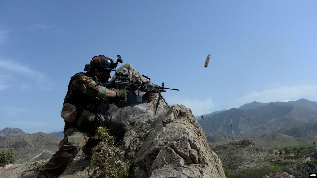 Афганський солдат у провінції Нангархар, квітень, 2017 року