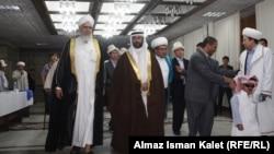 """Эл аралык """"Мусулман биримдиги"""" экинчи конференциясынын катышуучулары. Бишкек, 9-сентябрь, 2012."""