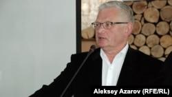 Экономист и оппозиционный политик Петр Своик. Алматы, 25 февраля 2015 года.