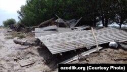 Вода Сардобинского водохранилища полностью смыла дом Гофира Дадаева.