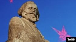 Spomenik Karlu Marksu