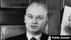 Nikolai Hohlov