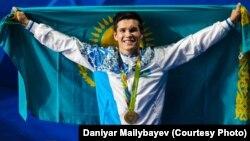 Олимпиада чемпиону Данияр Елесуинов.