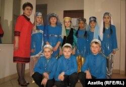 Воткинскидан Земфирә Селезнева укучылары белән