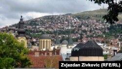 Sarajevo: Pogled na sinagogu, džamiju, rimokatoličku i pravoslavnu crkvu