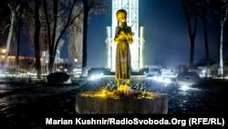 Пам'ятник жертвам Голодомору-геноциду в Україні 1932–1933 років у Києві