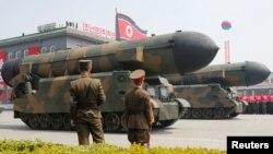 موشکهای کره شمالی در جریان رژه ماه آوریل