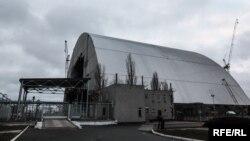 Будівництво конфайнменту для Чорнобильської АЕС