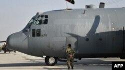 С-130 учоғи асосан ҳарбий юкларни ташишда қўлланилади.