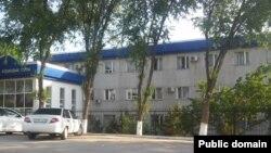 У здания районного суда в Туркестанской области. Иллюстративное фото.
