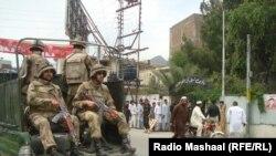 پاکستانی پوځ په سوات کې ګشت کوي