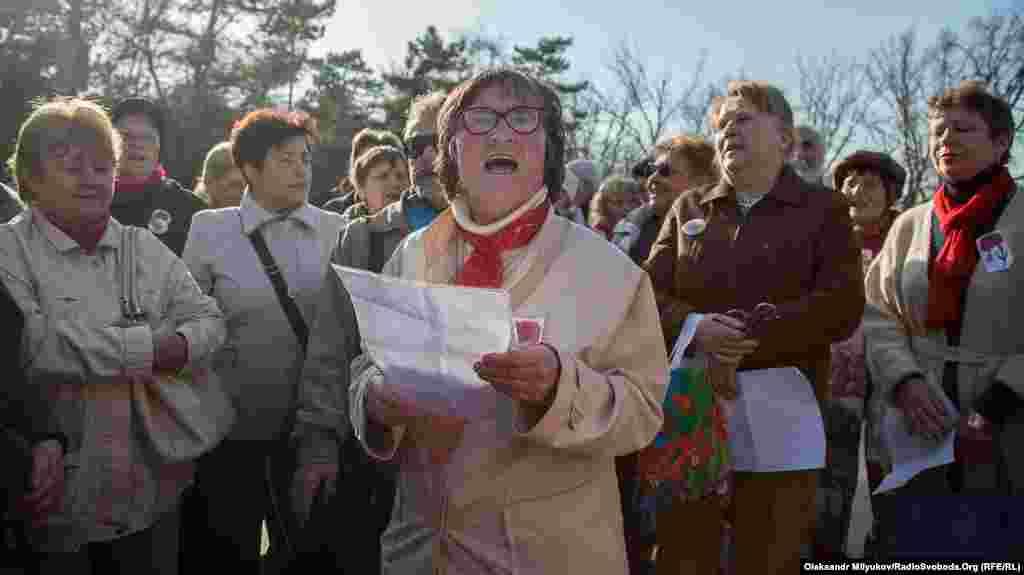 Участники акции «Наши освободители» пели советские песни времен Второй мировой войны