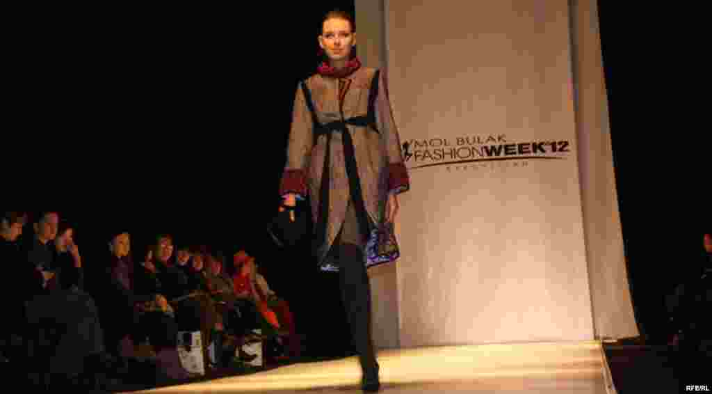 Осенняя Неделя моды-2012 #7