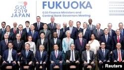 Ministrat e Financave të G7-ës dhe guvernatorët e Bankave Qendrore, gjatë një takimi në Japoni më 2019. Foto nga arkivi.