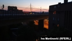 U Beogradu se u večernjim satima organizuju protesti sa balkona
