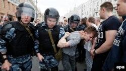 Задержания на Тверской 12 июня 2017 года