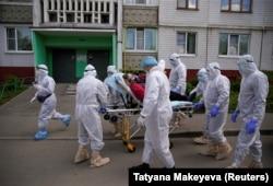 Медичні працівники по всьому світу скаржаться на неготовність систем охорони здоров'я до пандемії коронавірусу