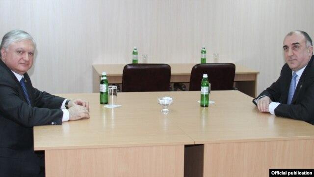 Ukraine - Foreign Ministers Edward Nalbandian (L) of Armenia and Elmar Mammadyarov of Azerbaijan meet in Kiev,04Dec,2013