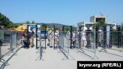 Вхід на територію фестивалю в Севастополі
