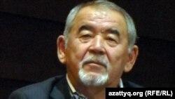 Жүрсін Ерман, сахнадағы айтыс ұйымдастырушысы, ақын. Астана, 19 желтоқсан 2011 жыл.