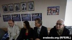 Валер Ухналёў, Ганна Красуліна, Анатоль Лябедзька, Вацлаў Арэшка (зьлева направа)