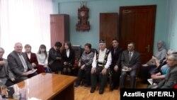 """""""Кызыл таң"""" газетындагы очрашуда катнашучылар"""