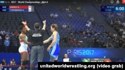 Айсулуу Тыныбекова дүйнө чемпиондугунун чейрек финалдык таймашында. 23-август, 2017-ж.