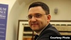 «Құтқарушы реформалар пакеті» азаматтық ұйымының басшысы Дмитрий Котляр.