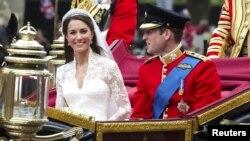 Pamje nga martesa e Dukës dhe Dukeshës së Kembrixhit