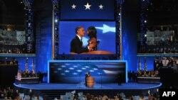 Барак Обама перед началом своего выступления на съезде
