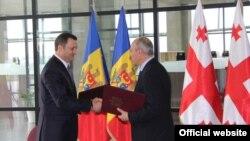 Premierii Moldovei și Georgiei la întîlnirea de la Tbilisi