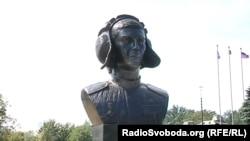 Пам'ятник бойовику «Гіві» встановили у Донецьку