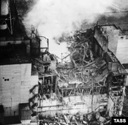 Взорвавшийся 4-й энергоблок ЧАЭС. 1986 год