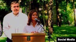 Михаил Саакашвили представляет Марию Гайдар одесским журналистам