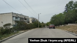 На улице Адмирала Макарова у сквера 2-го Бастиона