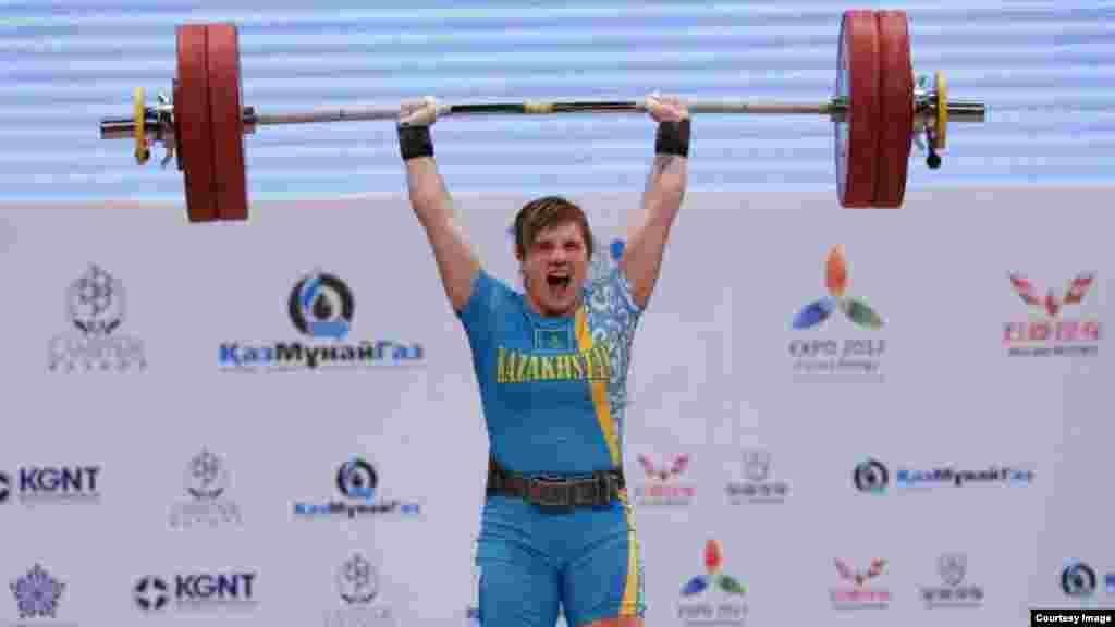 Шестое место заняла Карина Горичева (63 кг). В сумме она подняла 246 килограммов.