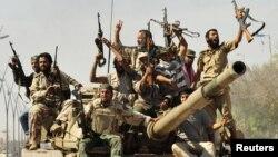 Силы НПС празднуют победу в Сирте