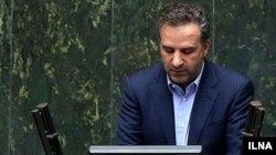 بهرام پارسایی، نماینده شیراز در مجلس، پیش از این نیز از «برخورد امنیتی» با مراسم «روز کوروش» انتقاد کرده بود.