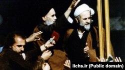 حسن لاهوتی (راست) در یکی از دیدارهای آیتالله خمینی در بهمن ۵۷