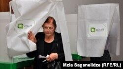 На выборах в Тбилиси, 1 октября 2012